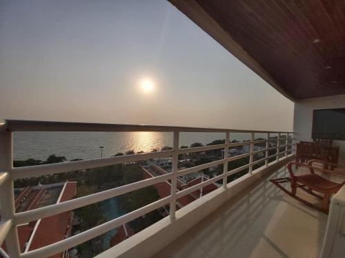 Condominum in Jomtien beach with sea view, balcony and free WiFi