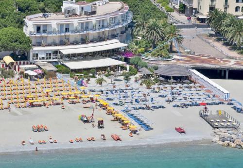 . Hotel Tirreno