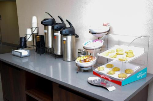 Country Inn & Suites By Radisson North Little Rock - North Little Rock, AR AR 72114
