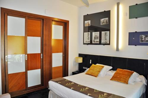 Superior Double or Twin Room with Terrace - single occupancy Hotel Monument Mas Passamaner 9