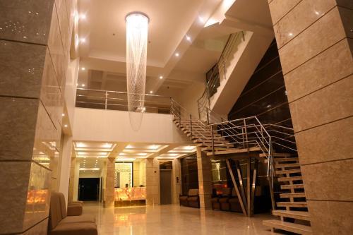 HOTEL MEHFIL INN