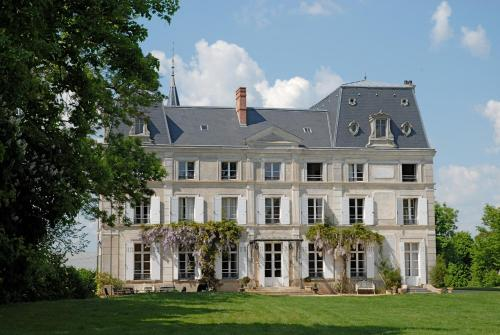 Kasteel-overnachting met je hond in Chambres d'Hotes Château de la Puisaye - Verneuil d?Avre et d?Iton