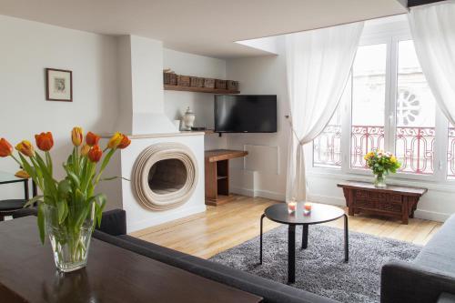 . Mithouard Apartments