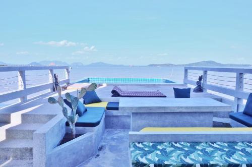 Lantawa : amazing villa on the sea with pool Lantawa : amazing villa on the sea with pool