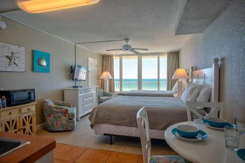 . 513 - Island Inn