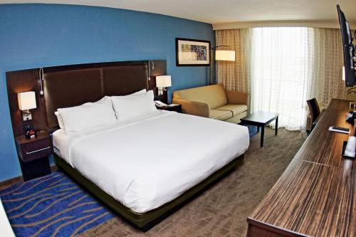 Holiday Inn Mayaguez & Tropical Casino - Photo 6 of 32