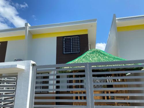Searenity Staycation House @ Pueblo de Laiya