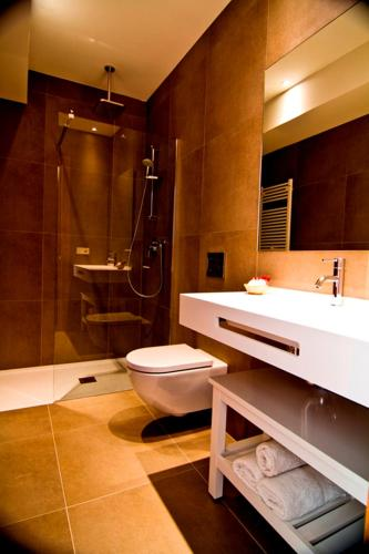 Double or Twin Room with Terrace Hotel San Prudentzio 4