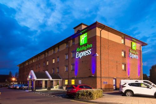 Holiday Inn Express Birmingham Oldbury, an IHG Hotel