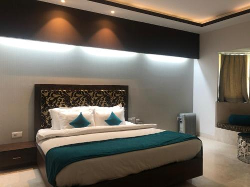 Golden Huts Resorts Khijuri, Rewari Haryana, Rewari