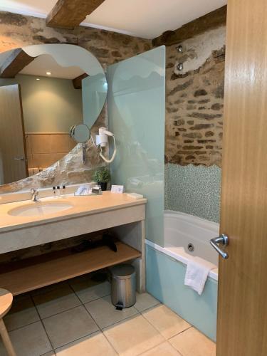 Suite con bañera de hidromasaje - Uso individual Posada Real La Carteria 30