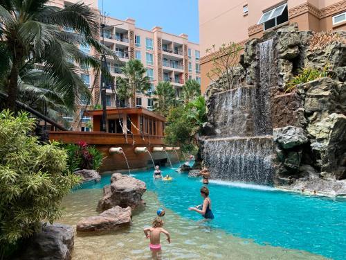 Atlantis Condo Resort Pattaya Atlantis Condo Resort Pattaya