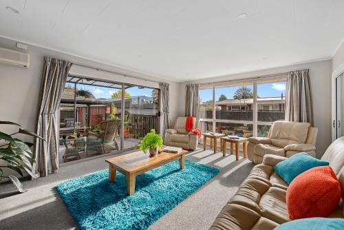 Leave of Absence - Christchurch Holiday Home - Christchurch