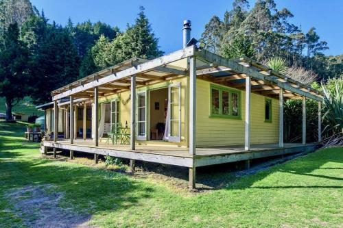 Back of Beyond Cottage - Lake Rotoehu Holiday Home - Hotel - Rotoiti