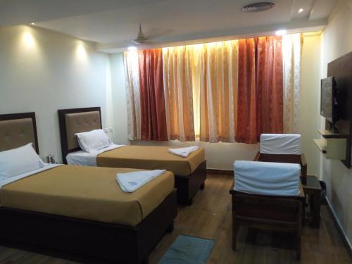 HOTEL SWARNA INN