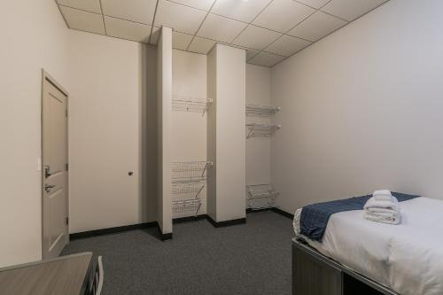 Modern 4-Bedroom Flat in the Heart of St. Louis