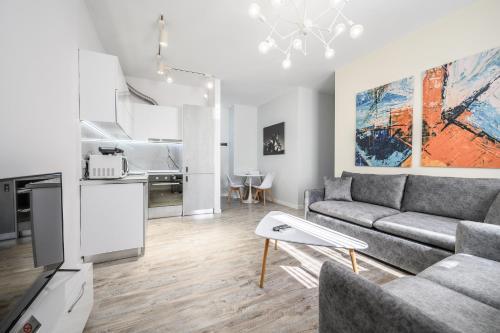 Luxury Apartment Skanderbag Square