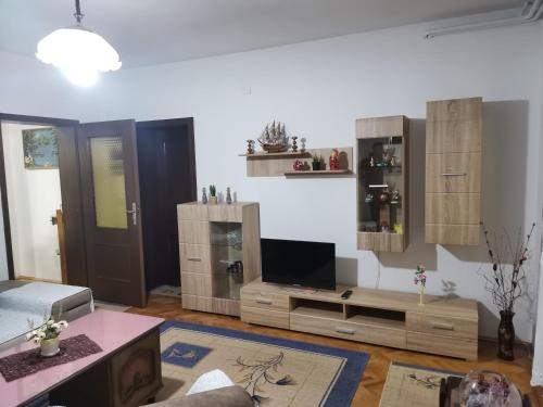 Tipski Apartment,