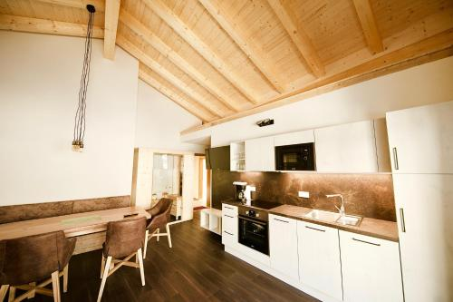 Haus Alpenblick - Apartment - Ladis
