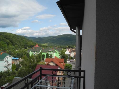 Аппартаменты в поляне закарпатье недвижимость в черногории купить