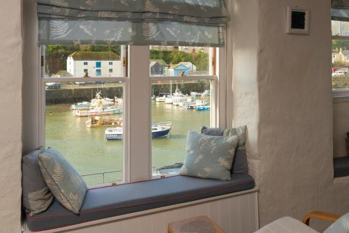 The Customs House Loft, Porthleven