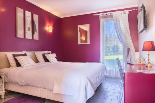 . Logis Hotel Le Nuage