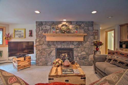 Fall River Hideaway Only 3 Miles to Rocky Mtn - Apartment - Estes Park