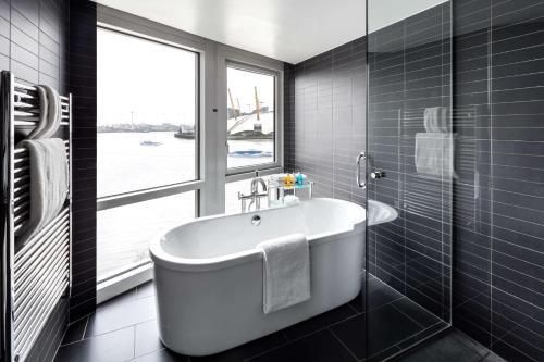 Radisson Blu Edwardian New Providence Wharf Hotel, London - image 10