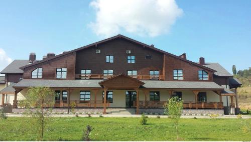 . Alpika Hotel