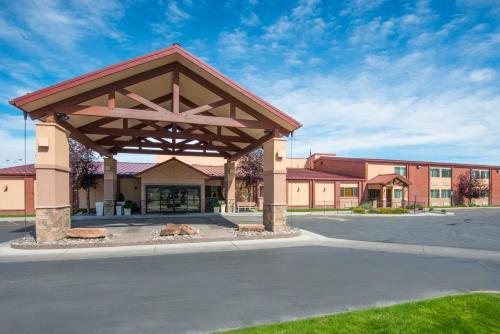 . Holiday Inn Riverton-Convention Center