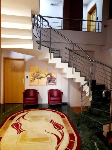 Hotel Aristocrat & Fish Restaurant - Photo 5 of 62