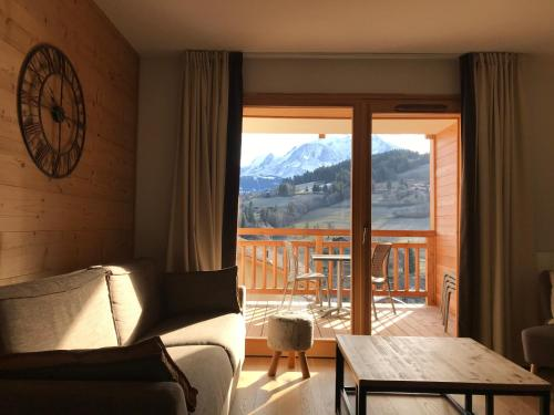 2 Bedroom Apartment with view of Mont Blanc in luxury development - Accommodation - Combloux