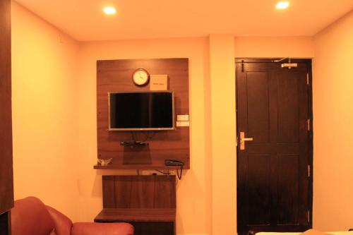 Hotel Temple City - Bed & Breakfast Rooms VL Swami Malai Temple