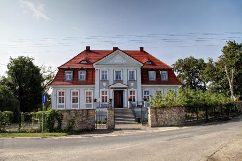 . Pałac w Bądzowie