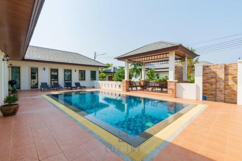 4 Bedroom Modern Pool Villa NB6 4 Bedroom Modern Pool Villa NB6
