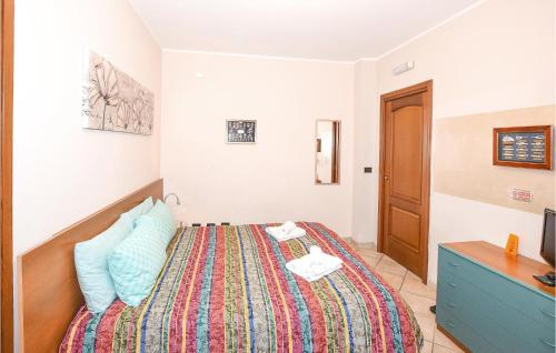 Beautiful apartment in Fossano w/ WiFi and 2 Bedrooms - Hotel - Fossano