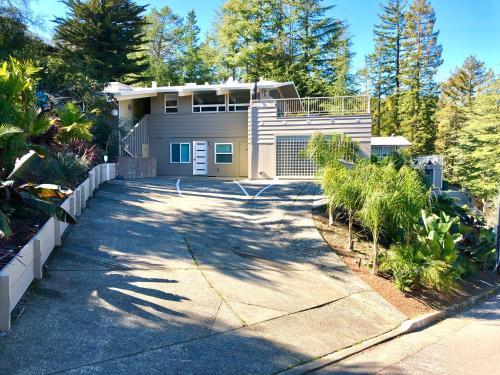 Mid Century Modern Eichler. Private Garden & Views, Marin
