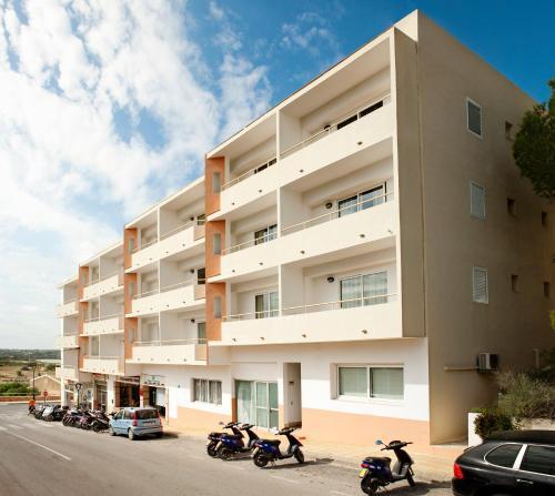 . Apartamentos Paya