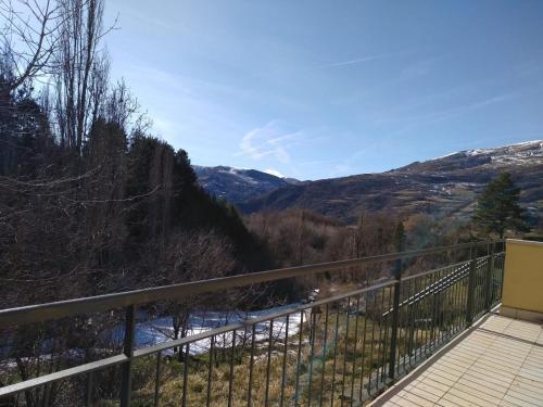 Magnífic apartament de muntanya amb encant a la Vall Fosca. Tranquil.litat i natura. Bones excursións. - Apartment - Monrós