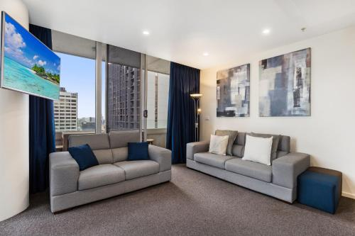 Central Melbourne CBD Apartment with Gym and Pool
