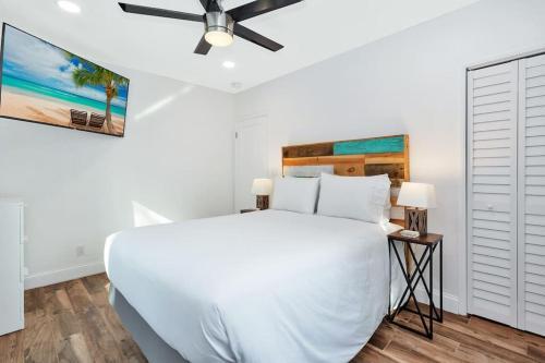 Relaxing Hideaway House- 1.5 miles to Las Olas & Beach
