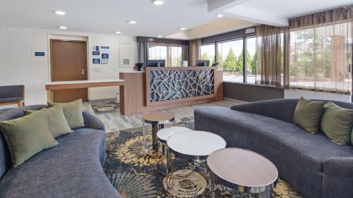 . Best Western Atlanta-Marietta Ballpark Hotel