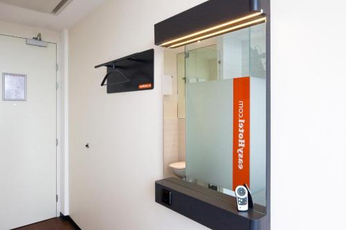 easyHotel Amsterdam City Centre South photo 33