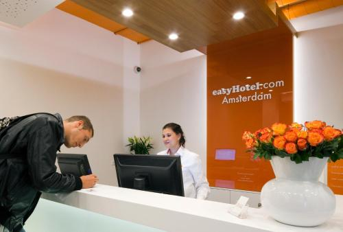 easyHotel Amsterdam City Centre South photo 43