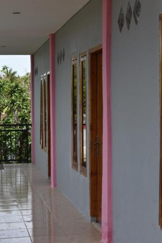 Pinki Mente Hotel