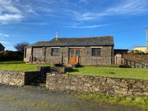 Sundance Cottage Sleeps 4 Plus 2, Camelford, Cornwall