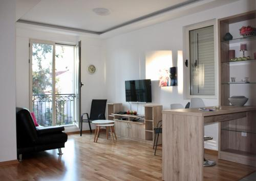 CENTRAL, NEW, MODERN APARTMENT IN TIVAT.