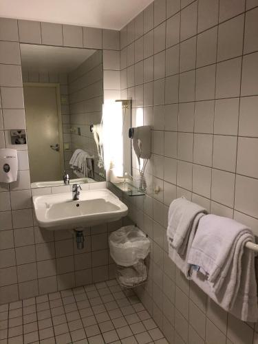Gaustad Hotel - Photo 6 of 28