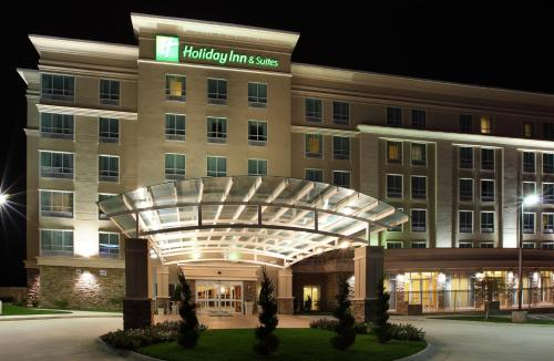 Holiday Inn and Suites Rogers at Pinnacle Hills