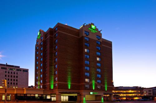 . Holiday Inn & Suites Winnipeg Downtown, an IHG Hotel